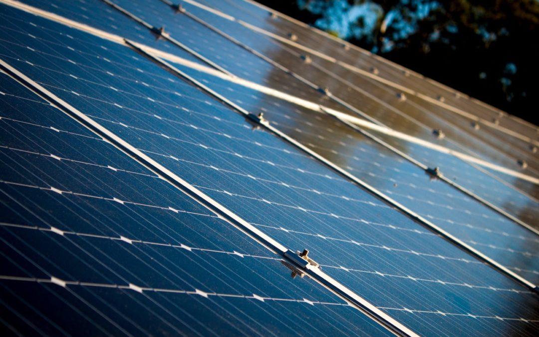 Vi söker efter en solcellsmontör som vill ha en spännande utsikt på fältet.